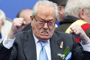 Ле Пена лишили должности почетного председателя Народного фронта Франции
