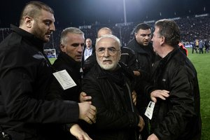 Российский президент клуба из Греции с пистолетом угрожал арбитру расправой