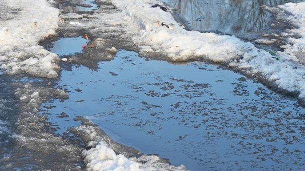 Мужчина утонул в яме с водой. Фото: ntv.ru