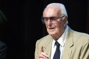 Умер легендарный дизайнер Юбер де Живанши