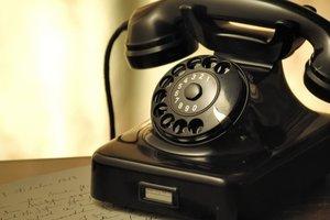 Проводному телефону – 150 лет: ностальгия или как технология покоряла Украину