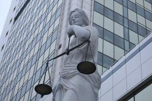 """""""Похоронный"""" кодекс: чем грозят новшества судебной реформы, запрещающие хоронить без решения суда"""
