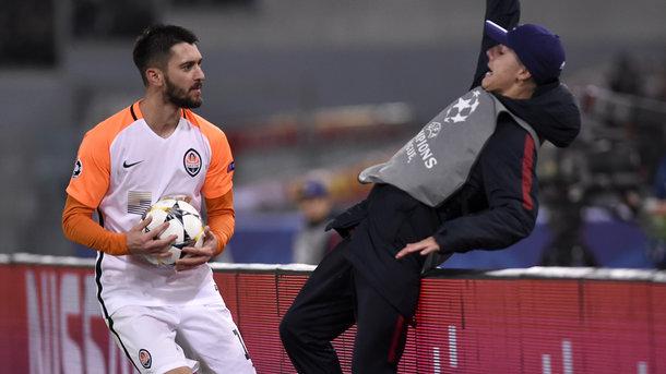 Феррейра извинился перед боллбоем, которого толкнул в матче Лиги чемпионов
