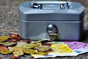 How much money Ukrainians are kept in banks: the NBU has call numbers