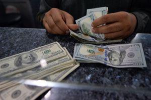 Курс доллара взлетел после долгого обвала