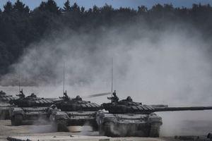 Порошенко: На границе с Украиной несколько дивизий РФ готовы к вторжению