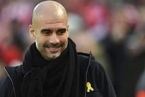 """Тренер """"Манчестер Сити"""" оштрафован на 20 тысяч фунтов за каталонскую ленточку"""