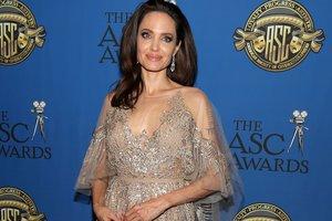 Как Анджелина Джоли хочет отомстить Брэду Питту