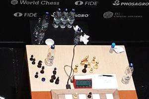 В шахматном турнире претендентов два лидера
