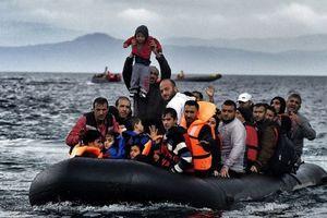 Число детей, погибших при крушении лодки у берегов Греции, возросло