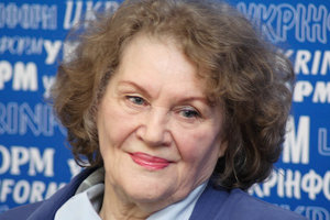 The birthday of Lina Kostenko: remember the enduring poems of the poetess