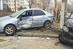 В Одессе в массовом ДТП повредили авто копов
