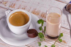 What foods do not combine with coffee