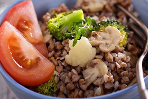 Great post-2018: recipe buckwheat porridge with vegetables in the oven