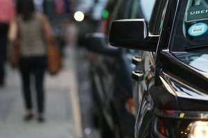 Беспилотный автомобиль Uber впервые сбил насмерть человека