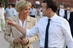 64-летняя первая леди Франции встречала гостей в Елисейском дворце в мини-платье от Louis Vuitton