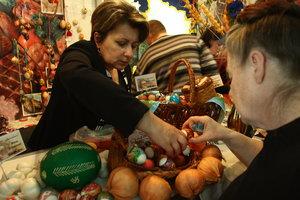 Пасха близко: в Украине уже взлетают цены на яйца