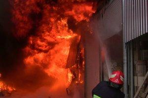 Подробности пожара на рынке в Черновцах: между первой искрой и шквалом пламени всего четыре минуты