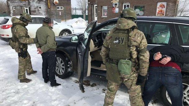 ВКаменском навзятке пойман чиновник военного комиссариата— СБУ