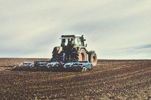 A quarter of Ukraine's economy should take the farmers.