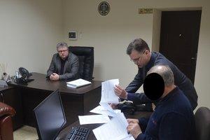 Главе запорожского райсовета грозит срок за вымогательство