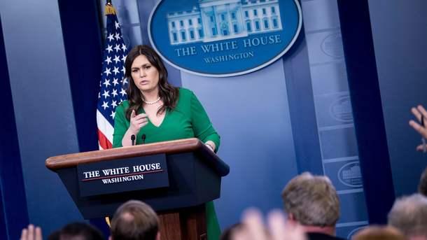 Белый дом уверил, что сохранит жесткую позицию вотношении РФ