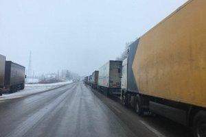 Россия снова закрыла границу для грузовиков из Украины