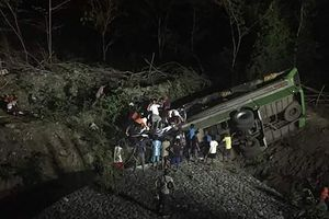 На Филиппинах 19 человек погибли в страшном ДТП