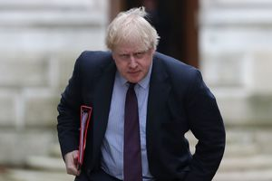 Putin is acting like Hitler: British foreign Secretary made a strong statement