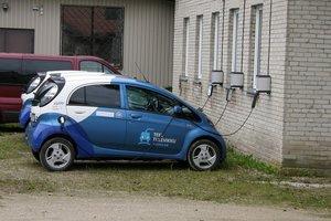 Когда электромобили станут дешевле бензиновых авто: прогноз Bloomberg