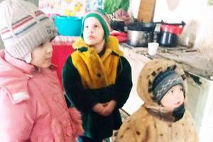 Near Kiev, a grief-mother has left four young children for a few days some