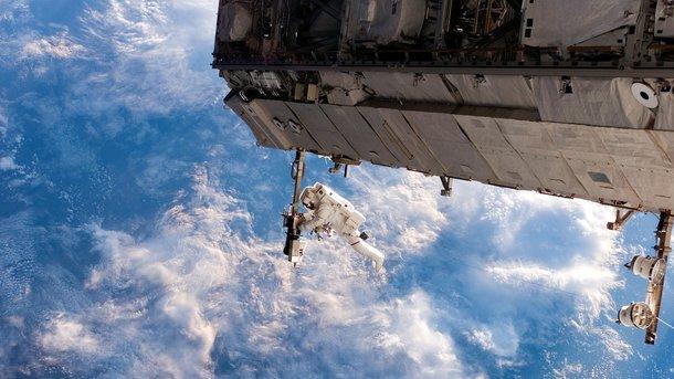 СБайконура стартовала ракета-носитель «Союз» сновым экипажем МКС