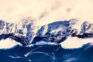 В Антарктиде обнаружили лестницу невероятных размеров