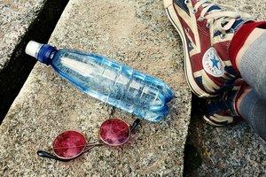 Ученые выяснили, насколько вредна вода в пластиковых бутылках