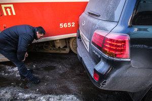 ДТП с трамваем и автомобилем Lexus в Киеве: все подробности