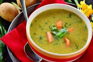 Идея для весеннего обеда: картофельный суп с черемшой