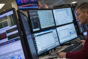 Санкции ужесточаются: России грозит запрет на продажу облигаций в Британии