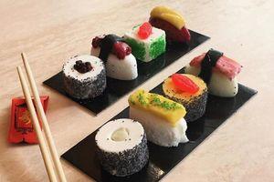 Новый фуд-тренд: мороженое в виде суши и роллов