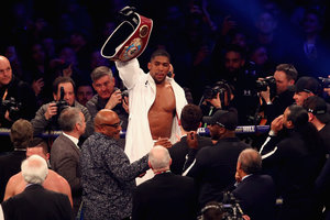 """Джошуа - о чемпионе WBC Уайлдере: """"Выведите его на ринг, и я побью его"""""""
