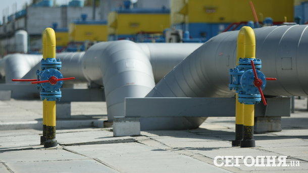 НАК «Нафтогаз» срочно заключает допсоглашения для продления отопительного сезона