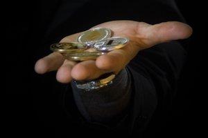 Курс Bitcoin рухнул: эксперты назвали причины и дали прогноз
