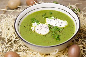 Идея для весеннего обеда: суп-пюре из щавеля