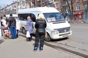 Транспортная революция в Днепре: перевозчикам запретили брать стоячих пассажиров