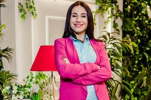 """Звезда сериала """"Школа"""" Янина Андреева впервые показала свою дочь"""