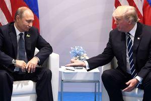 "Трамп ""дал пинка"" Путину: New York Post показала забавную карикатуру"