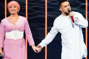 Нина Матвиенко примерила розовый парик, а Тина Кароль посвятила песню мужчине своей мечты