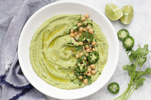 Рецепт постной закуски: хумус с черемшой и фасолью