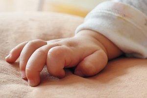 В Николаеве сообщили о состоянии ребенка, которого мать бросила в ледяную воду