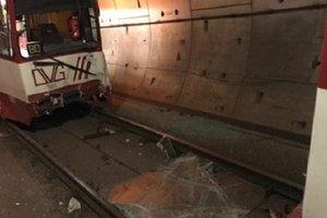 В Германии столкнулись два поезда метро: ранены два десятка человек