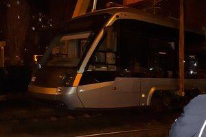 В Киеве с рельсов сошел скоростной трамвай